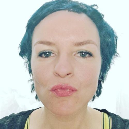 Melanie blaue Haare